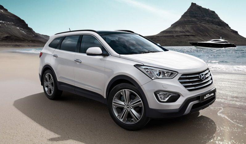 Hyundai Grand Santa Fe full