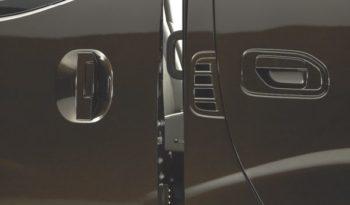 Nissan Urvan Premium full